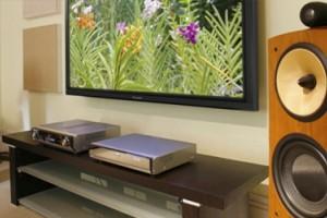 Воспроизведение видео- и аудиофайлов на домашнем кинотеатре