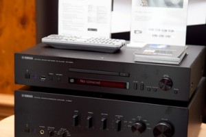 Yamaha CD-N500 - сетевой CD-проигрыватель