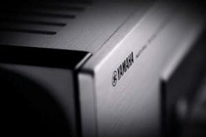 Yamaha CD-S2000: CD-проигрыватель в ретро стиле с элегантным дизайном и образцовым качеством звучания